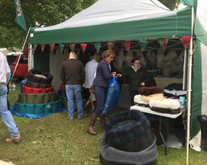 The dog bed stand a Scone game fair.